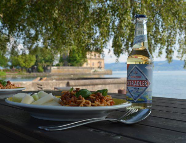 Abendessen mit Seesicht